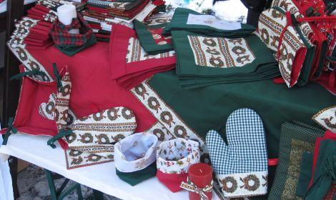 Prodej látek, úpletové kolekce a domácích doplňků